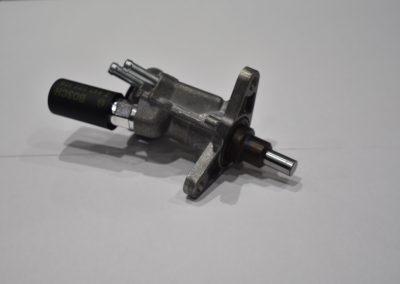 Pompe d'amorçage - Pièces détachées mécaniques matériel militaire